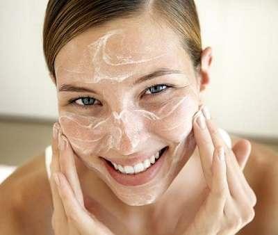 Natural Methods to Moisturize Skin